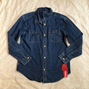 NWT Levi's button up denim long sleeve shirt